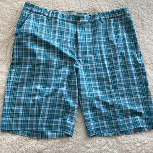 Greg Norman Men's shorts. Size 38